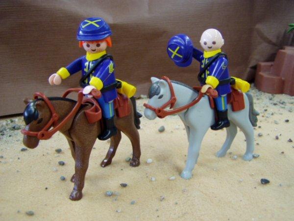 Les tuniques bleues. Playmobil custom blutch et Chesterfield