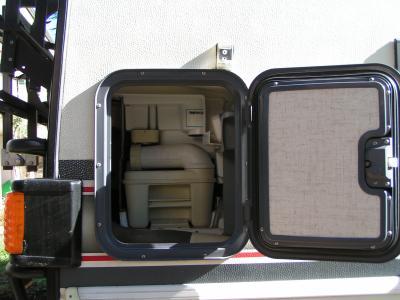wc chimique camping car vendre. Black Bedroom Furniture Sets. Home Design Ideas