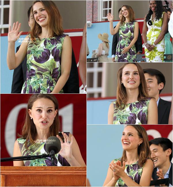27/05/2015 ❤ C'est avec honneur que l'ancienne étudiante d'Harvard, délivre un discours aux nouveaux diplômés de la promotion 2015.