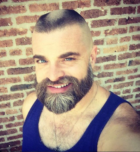 Fer mâle barbe