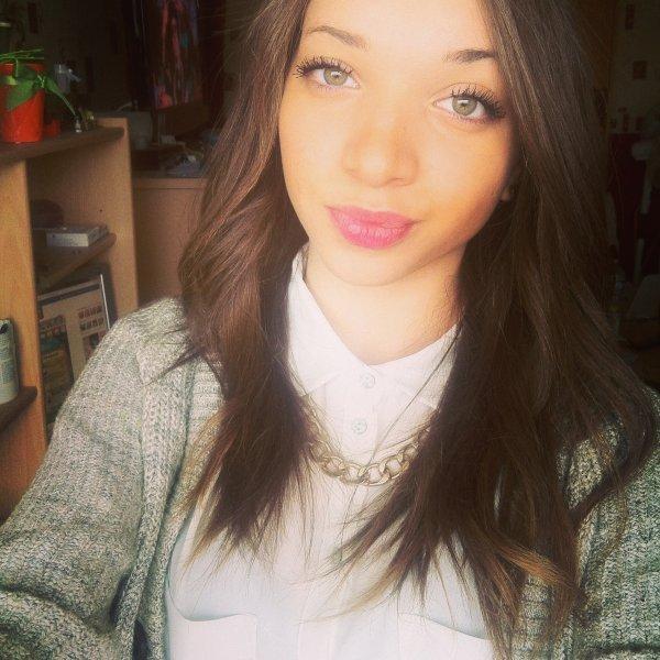 Dis a une fille qu'elle est belle, elle s'en souviendra 2minutes. Dis lui qu'elle est moche,elle s'en souviendra toute sa vie.