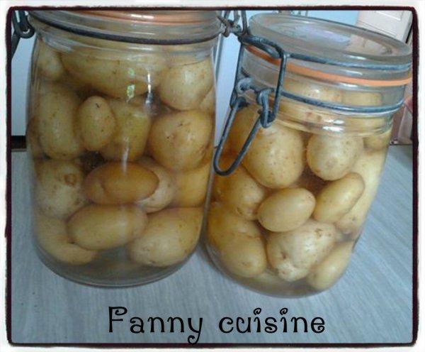 Pommes de terre nouvelles du jardin en bocaux