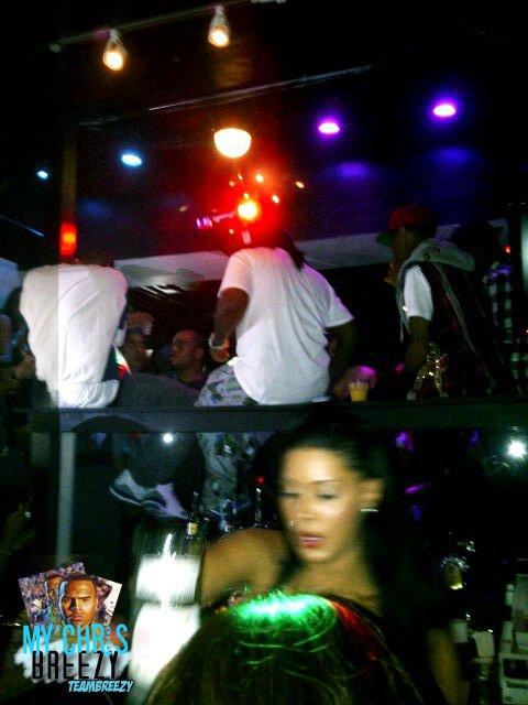 Chris Brown et L'Equipe FAMETour Au Club In TORONTO