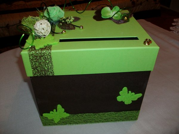 Urne de mariage marron et vert anis la copie n 39 est pas - Urne anniversaire a faire soi meme ...