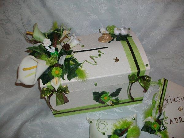 urne mariage ivoire vert anis la copie n 39 est pas un art juste le fruit. Black Bedroom Furniture Sets. Home Design Ideas