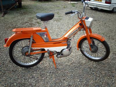 motoconfort av 50 motos cyclos cyclos sports moteurs anciens et. Black Bedroom Furniture Sets. Home Design Ideas