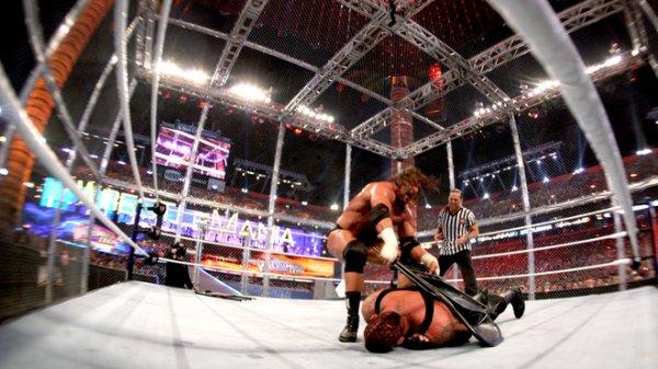 WrestleMania 28 : Undertaker bat Triple H (Shawn Micheals en arbitre)