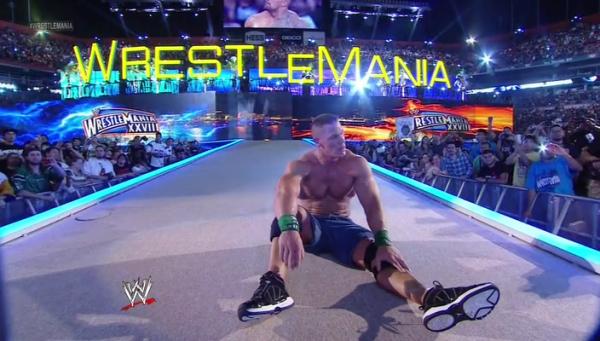 WrestleMania 28 : The Rock bat John Cena