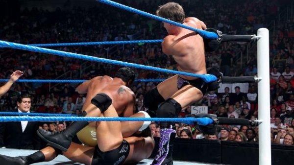 Over the Limit : Sheamus bat Chris, Randy et Alberto