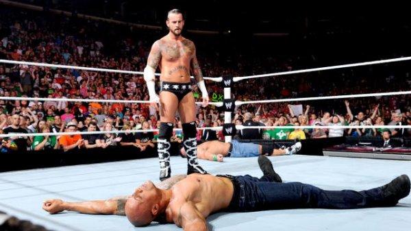 1000éme de Raw: CM Punk contre John Cena ( The Rock & Big Show intervention)