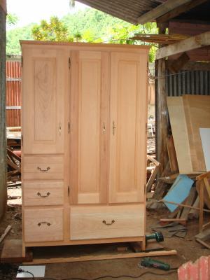 armoire en bois c dre cr ation de jacky art. Black Bedroom Furniture Sets. Home Design Ideas