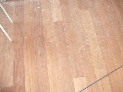 mise niveau de plancher et pose de tout parquets. Black Bedroom Furniture Sets. Home Design Ideas