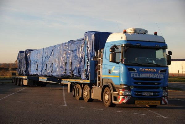 Scania R580. Transport FELBERMAYR.Aire de Lapalisse. 06/12/2016.