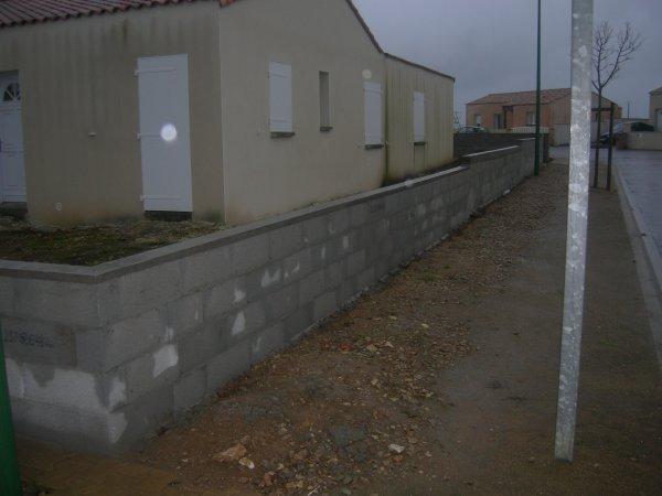 Mur de cloture droit et en escalier renovation en tout genre - Mur privatif droit et devoir ...