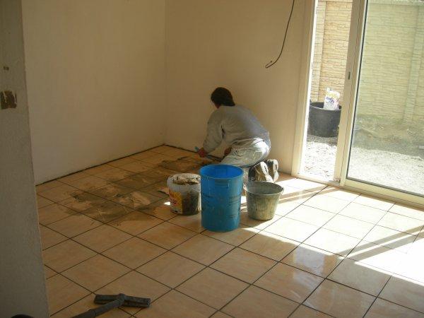 Pose carrelage de cuisine renovation en tout genre for Pose carrelage cuisine