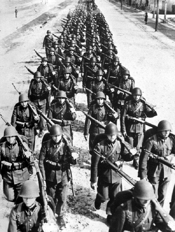 4 - La destruction de l'arm�e polonaise et l'intervention Sovi�tique .
