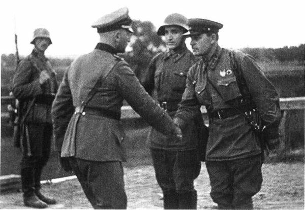 4 - La destruction de l'armée polonaise et l'intervention Soviètique .