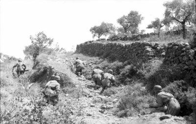 """Chapitre 13 - La bataille de Crète """""""" Opération Merkur """""""" du 20 au 31 mai 1941 le chant du Cygne des Fallschirmjäger"""