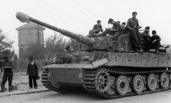 114 - La grande Débâcle 5 - En territoire ennemi ( 3e partie ) La bataille de Buda : Du 24 décembre 1944 au 11 février 1945 . Les chemins de la liberté passent par l'Enfer.