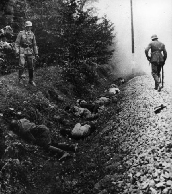129 - Le Crépuscule des Dieux 5 - Crimes de guerre de la Wehrmacht et Crimes de guerre nazis en Union soviétique , le vrai visage du National Socialisme et la Barbarrie de l'Odre Noire , les Monstres de Hitler.