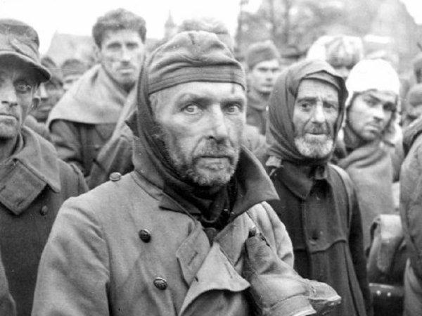 146 - Dans l'Enfer de Berlin 6 - Mercredi 25 Avril 1945, l'Assaut final .