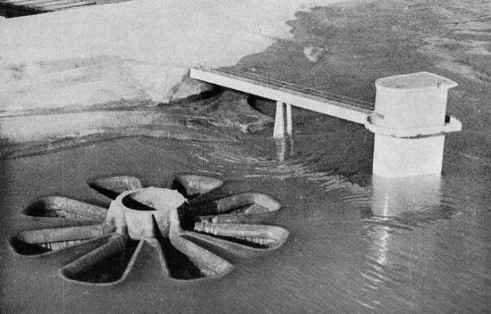 La Rosace d'�vacuation du barrage de Sarno : un ouvrage hydraulique in�dit.