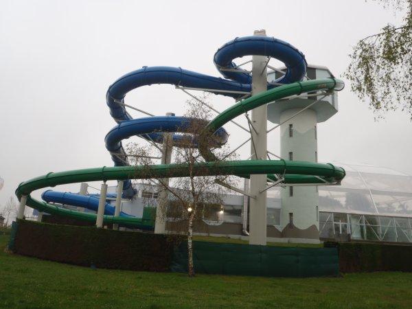 Je vous pr sente un endroit super sunpark et surtout for Sun park piscine