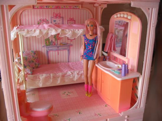 maison de r ve barbie chambre salle de bain de la maison a vendre. Black Bedroom Furniture Sets. Home Design Ideas