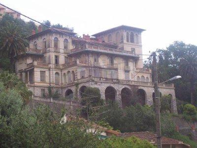 Une autre belle villa abandonn e sur les hauteurs de nice lieux aban - Maisons abandonnees belgique ...