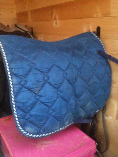 tapis de selle bleu vente de materiel