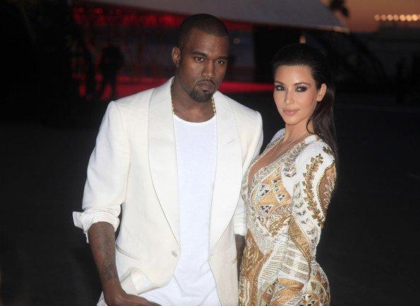23\05\12 Kim Kardashian et Kanye West sur le tapis rouge au Festival du Film � Cannes