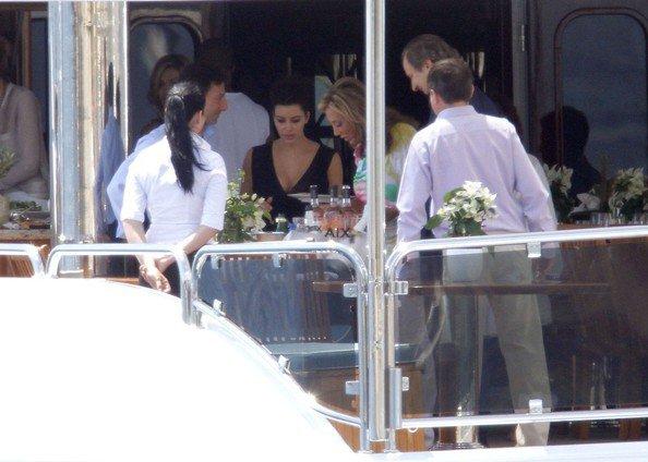 "24\05\12 Kim pr�sente a l'�v�nement ""amfAR Cinema Against AIDS"" � Cannes"