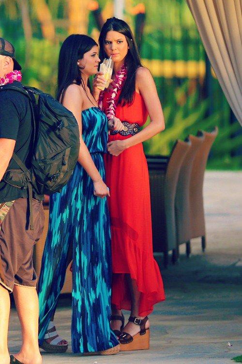 Kendall, Kylie et leur parents �tait � Hawaii le 30 et 31 Mai pour le mariage de leur demi fr�re