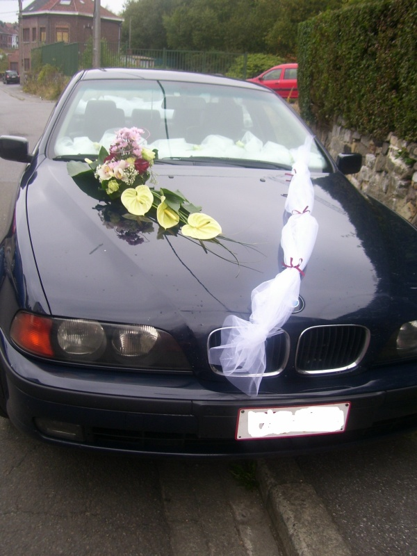 montage fleurs voiture mariage. Black Bedroom Furniture Sets. Home Design Ideas