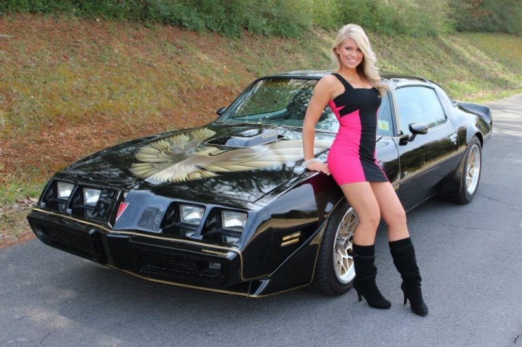Smoky Mountain Traders by models Brittany & Shelby ...