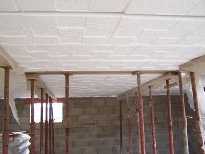 On a d j les dalles polystyr ne au plafond du garage 25 05 06 projet con - Dalle de plafond polystyrene ...