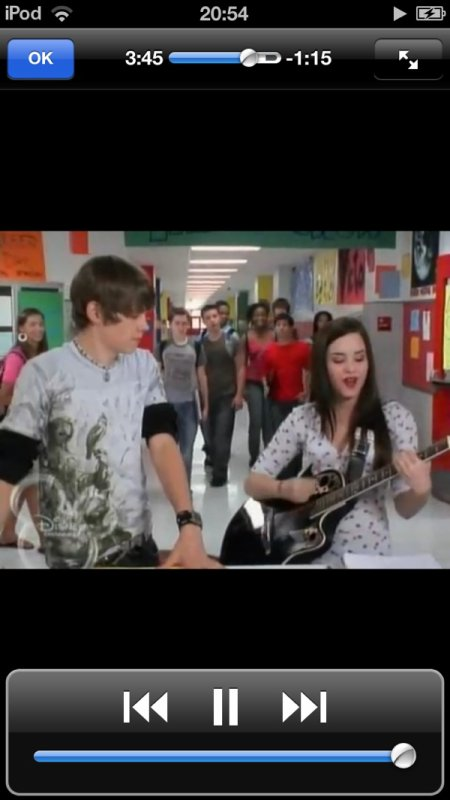 Demi dans as the Bell rings