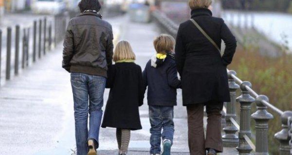 Le Portugal autorise l'adoption par les couples homosexuels