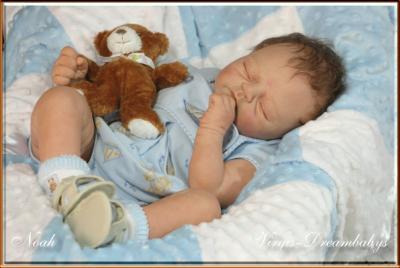 baby puppen nona 39 s world. Black Bedroom Furniture Sets. Home Design Ideas