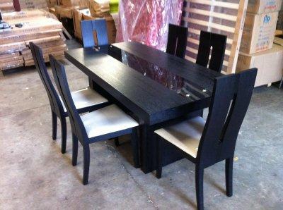 Table de salon en bois noir avec ces 6 chaise showroom - Table de salon avec ecran tactile ...