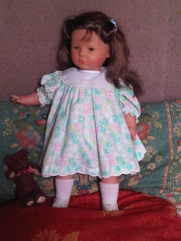 mademoiselle je boude na floriane de corolle 52 cm. Black Bedroom Furniture Sets. Home Design Ideas