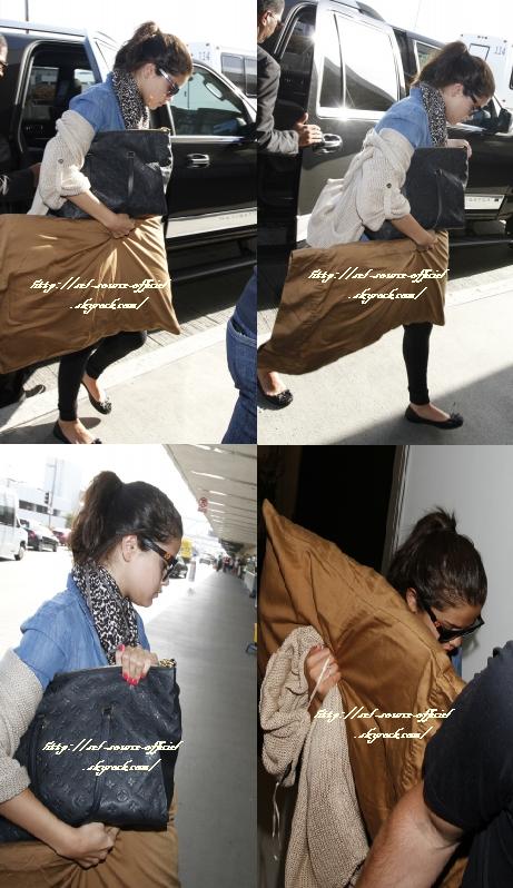 Notre belle Selena s'est rendue � un �v�nement, sponsoris� par la marque Avalon ''ALLIANCE FOR CHILDREN'S''. Elle porte une robe bleue claire qui lui va � ravir.