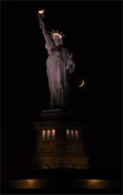 Statue de la Libert�, illuminatis