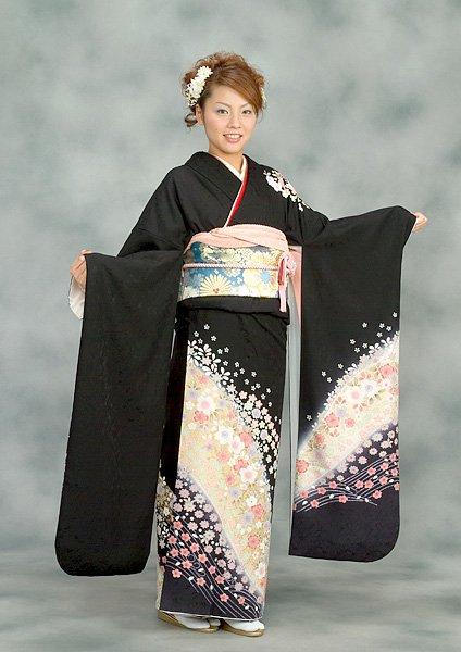 Kimono japonais porte par les femme