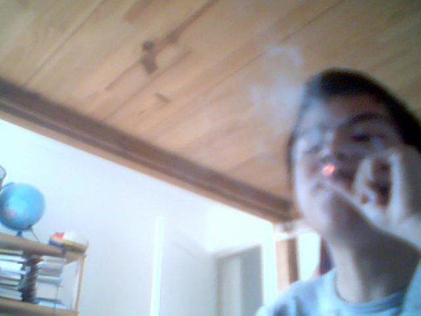 la petite fumette