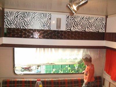 relooking de la caravane mes plus beaux cadeaux. Black Bedroom Furniture Sets. Home Design Ideas