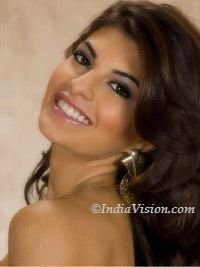 Sri Lankan-born Bollywood actress Jacqueline Fernandez consciously choosing only big films