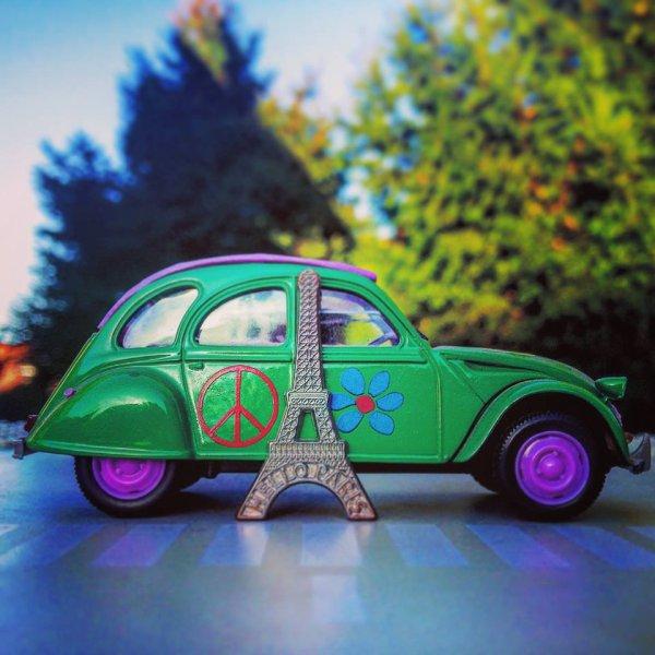 Peace ♥ and love Paris ♥
