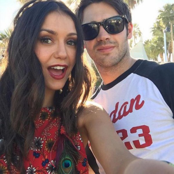 Nina Dobrev retrouve Steven R. McQueen � Coachella !
