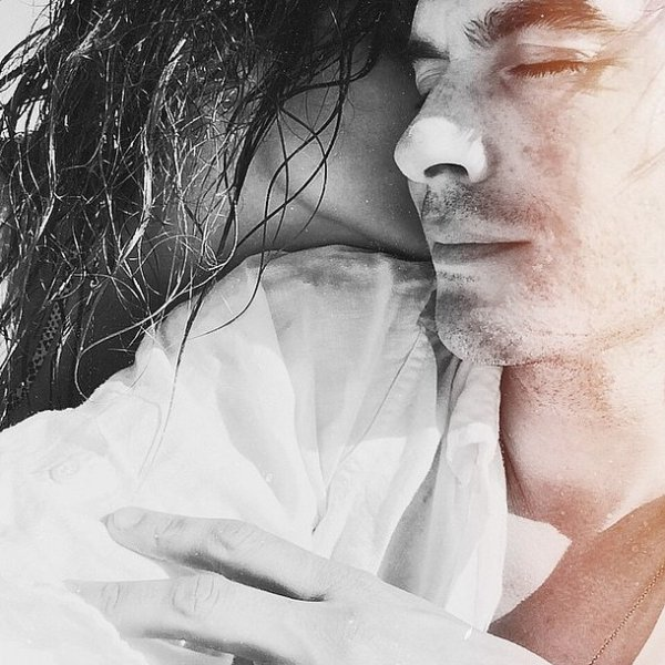 Ian Somerhalder & Nikki Reed, un couple sexy et amoureux ...